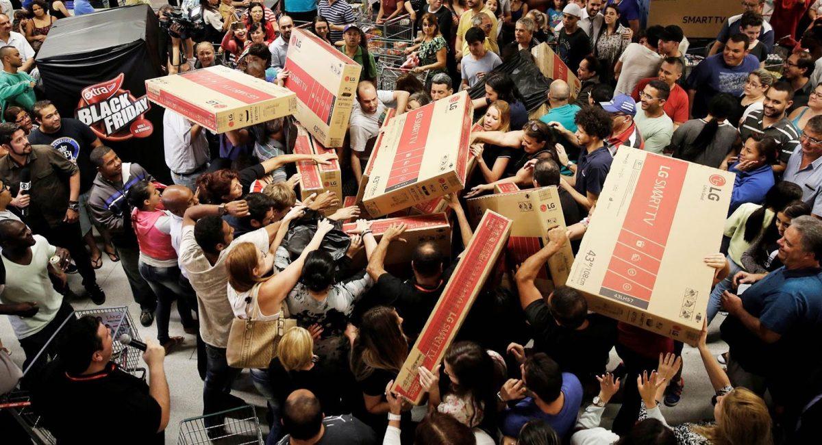compras locas en el black friday scaled SuperChollos