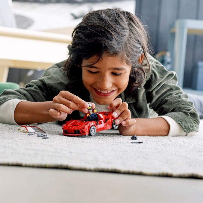 LEGO Ferrari F8 Tributo scaled SuperChollos