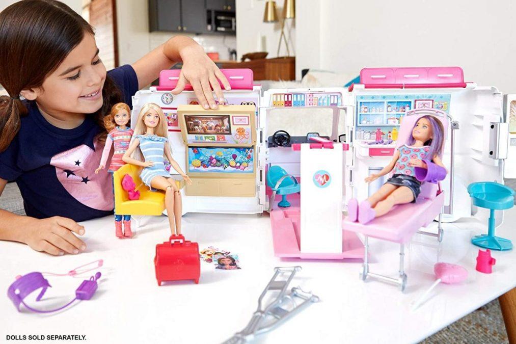 Ambulancia Barbie scaled SuperChollos